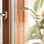 Casaviva: particolari interni, particolare serramento, manglia, veneziane