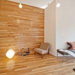 Casaviva: particolari interni, parete parquet