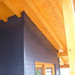 Casaviva: particolari esterni, copertura in legno, pareti rivestite in legno