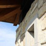 Casaviva: particolari esterni, muri in pietra