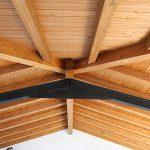 Casaviva: particolari interni, trave in acciaio copertura in legno